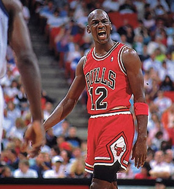cheaper 39434 840c2 Michael Jordan Wears #12 Jersey | #Hometeam | Michael jordan ...