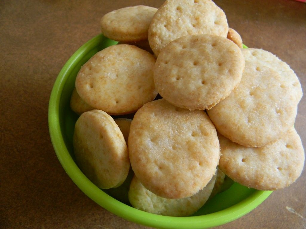 Homemade Ritz Crackers Recipe | Back to School Ideas ...