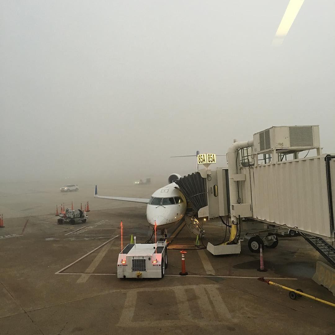 #vuelo #neblina #fog #aeroplane #iah #crj900 @united #instaplane