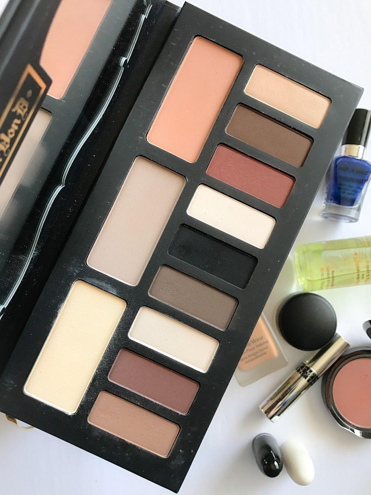 My December Beauty Favorites Kat Von D Shade Light Eye Palette Monthlyfavorites Decemberb Best Eyeshadow Palette Shade And Light Palette Beauty Favorites
