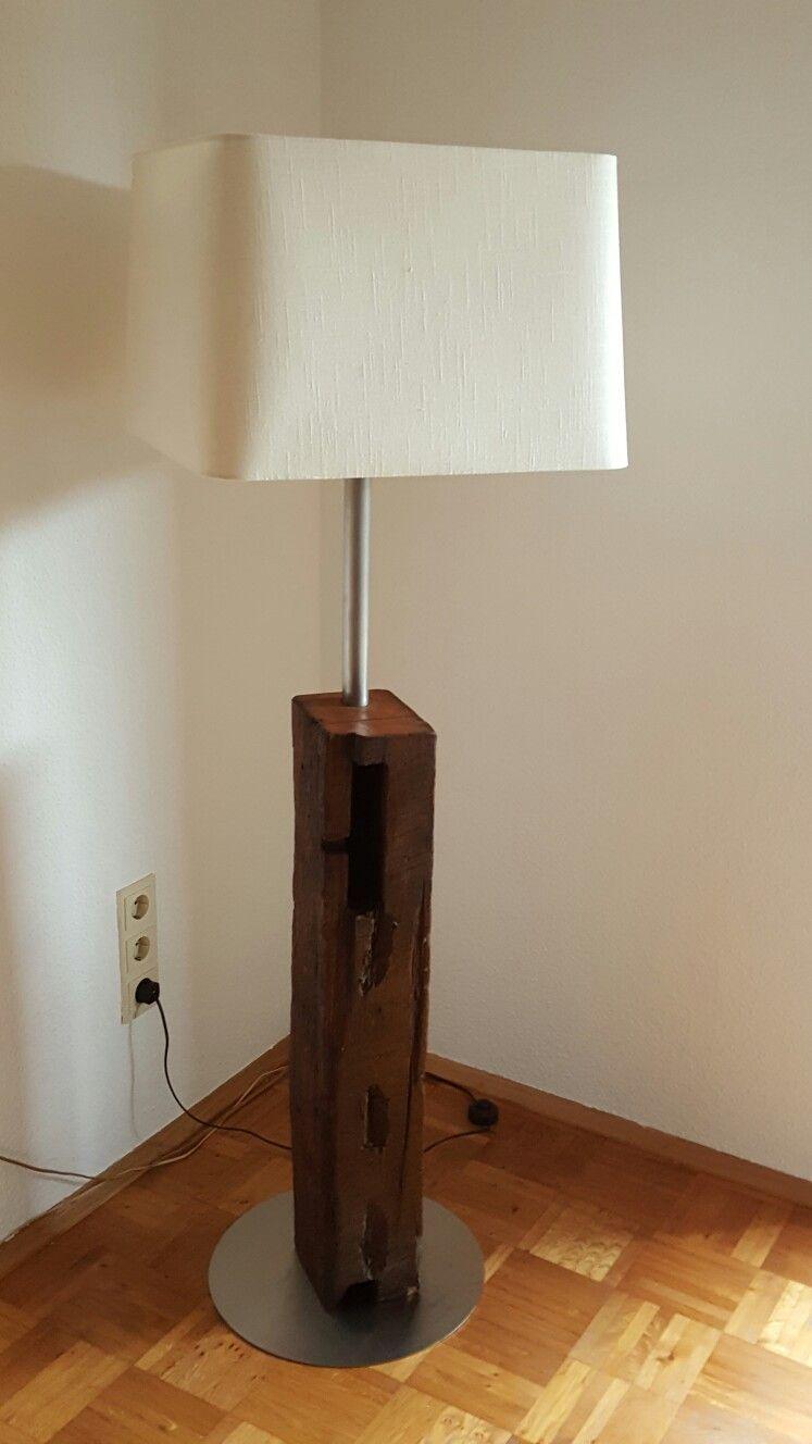 Lampe aus 10 Jahren alten Balken.  Stehlampe holz, Lampe, Holz