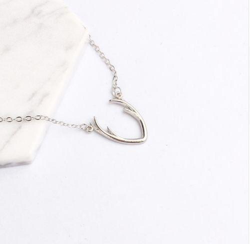 Charm Antler Deer Horn Necklace Delicate Collarbone Chain Animal Pendant Useful