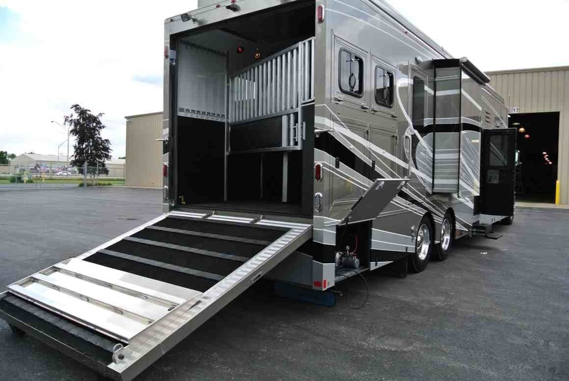 Hydraulic Ramp Horse Trailers Horse Trailer Horse Transport