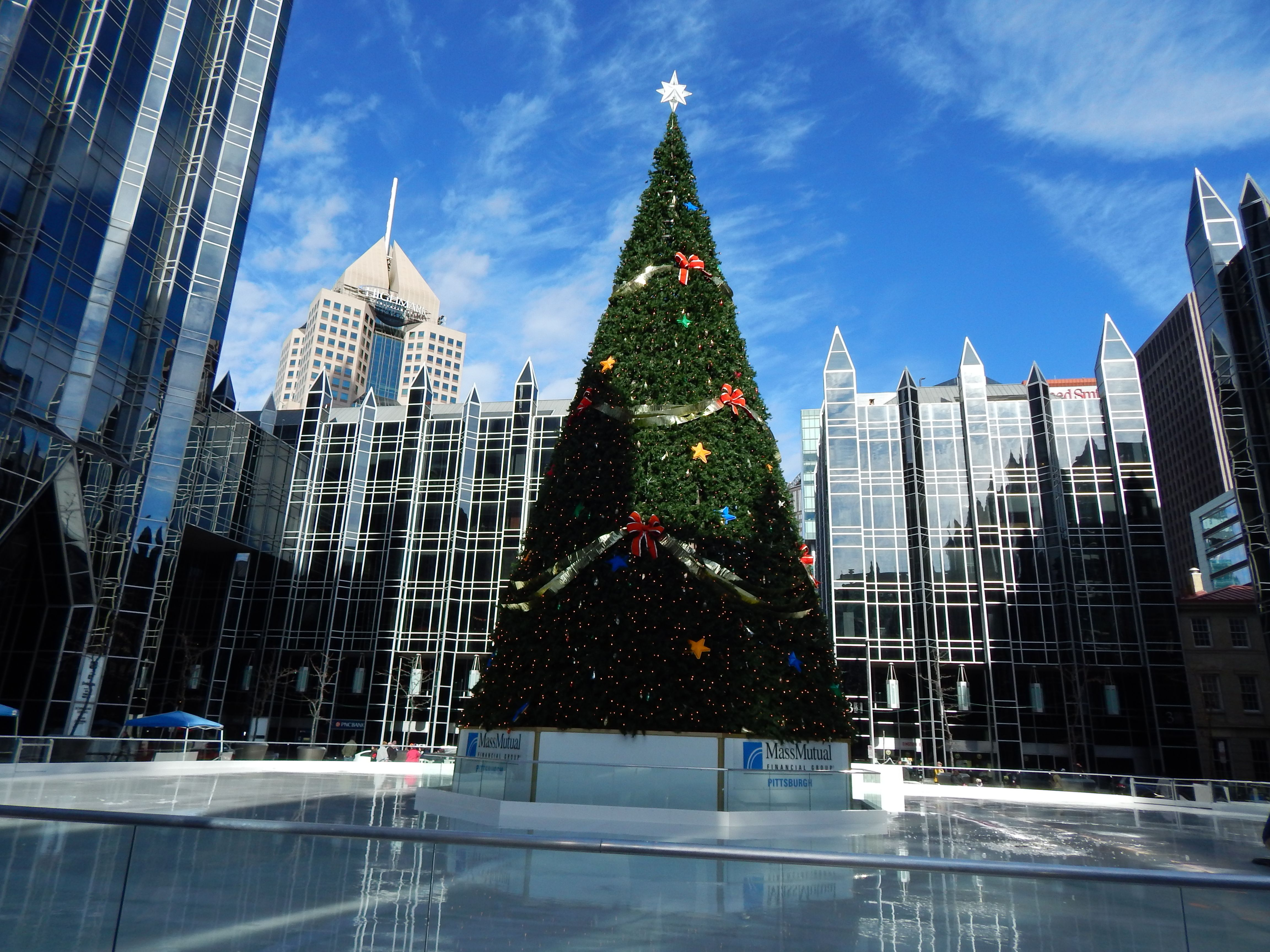 outdoor ice rink ppg plaza christmas 2015 visions of pittsburgh
