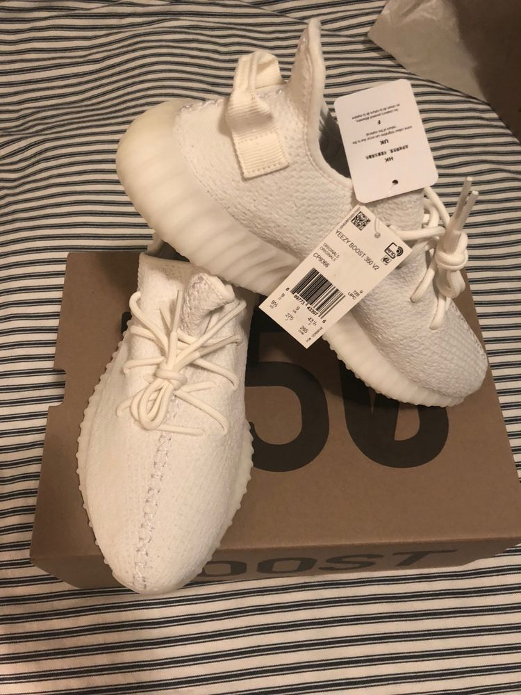Adidas YEEZY Boost 350 V2 Cream Triple White Size 9.5 CP9366