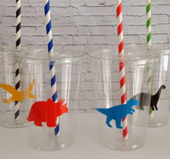 Vasitos decorados para fiesta de dinosaurios