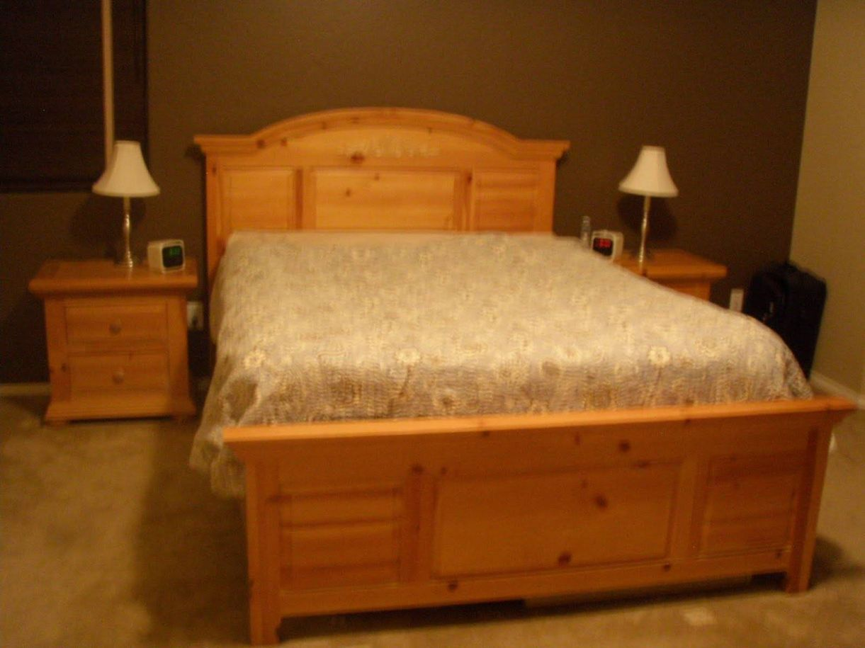 Knotty Pine Bedroom Furniture - Bedroom Interior Decorating Check ...