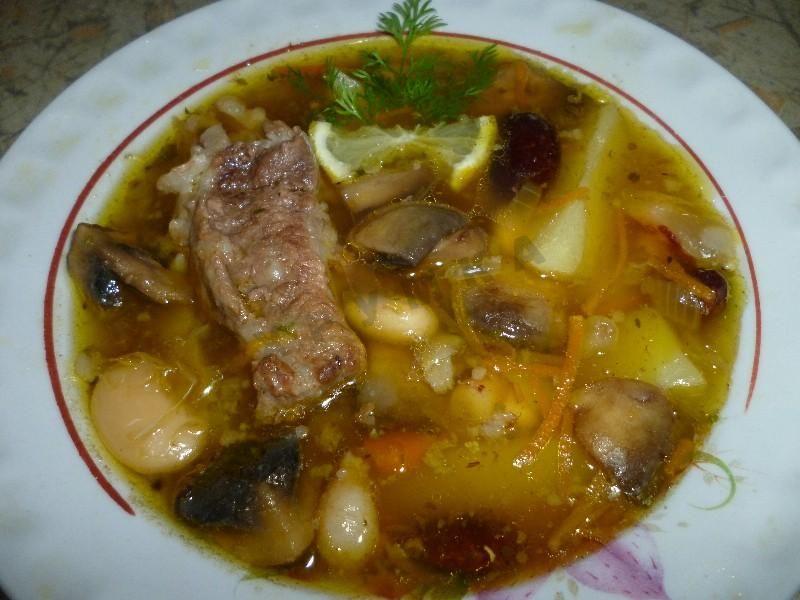 суп с говядиной грибами и картошкой