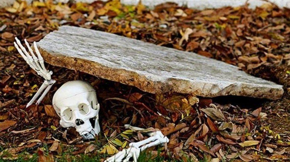 46 Easy And Cheap DIY Halloween Decoration Ideas halloween