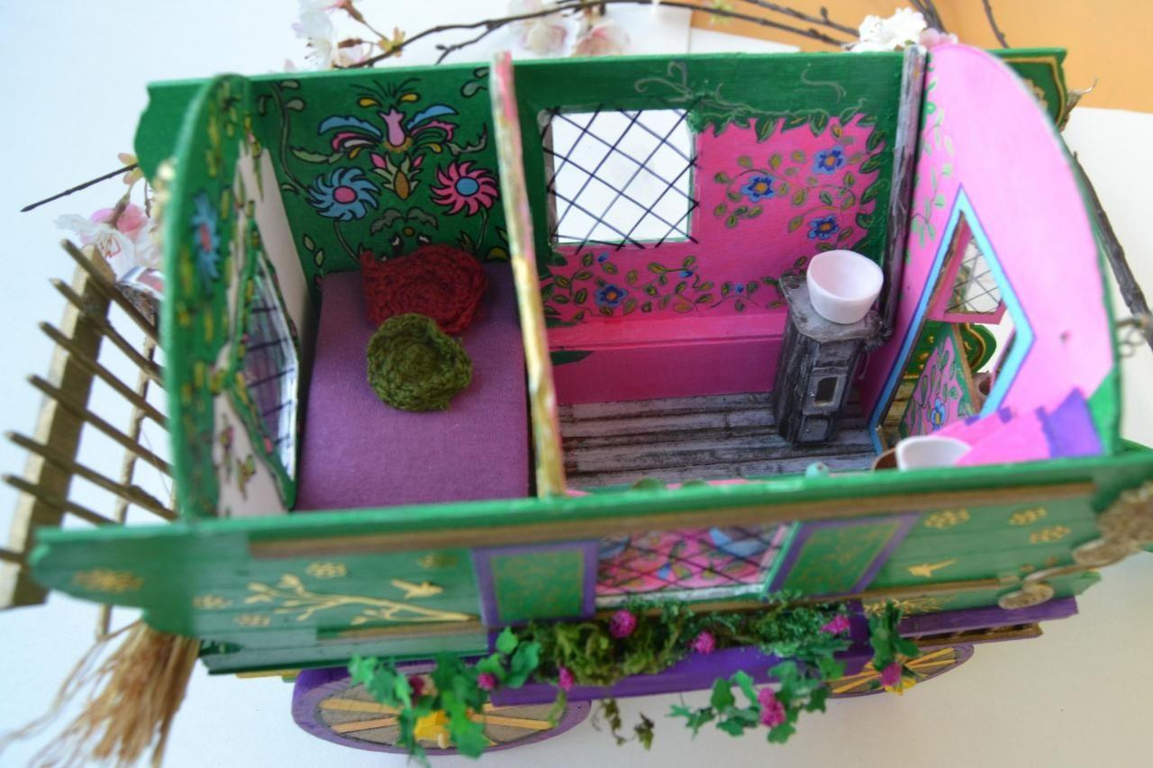 miniature roulotte gipsy martine 1280 853 miniature 2 roulotte caravane gypsy. Black Bedroom Furniture Sets. Home Design Ideas
