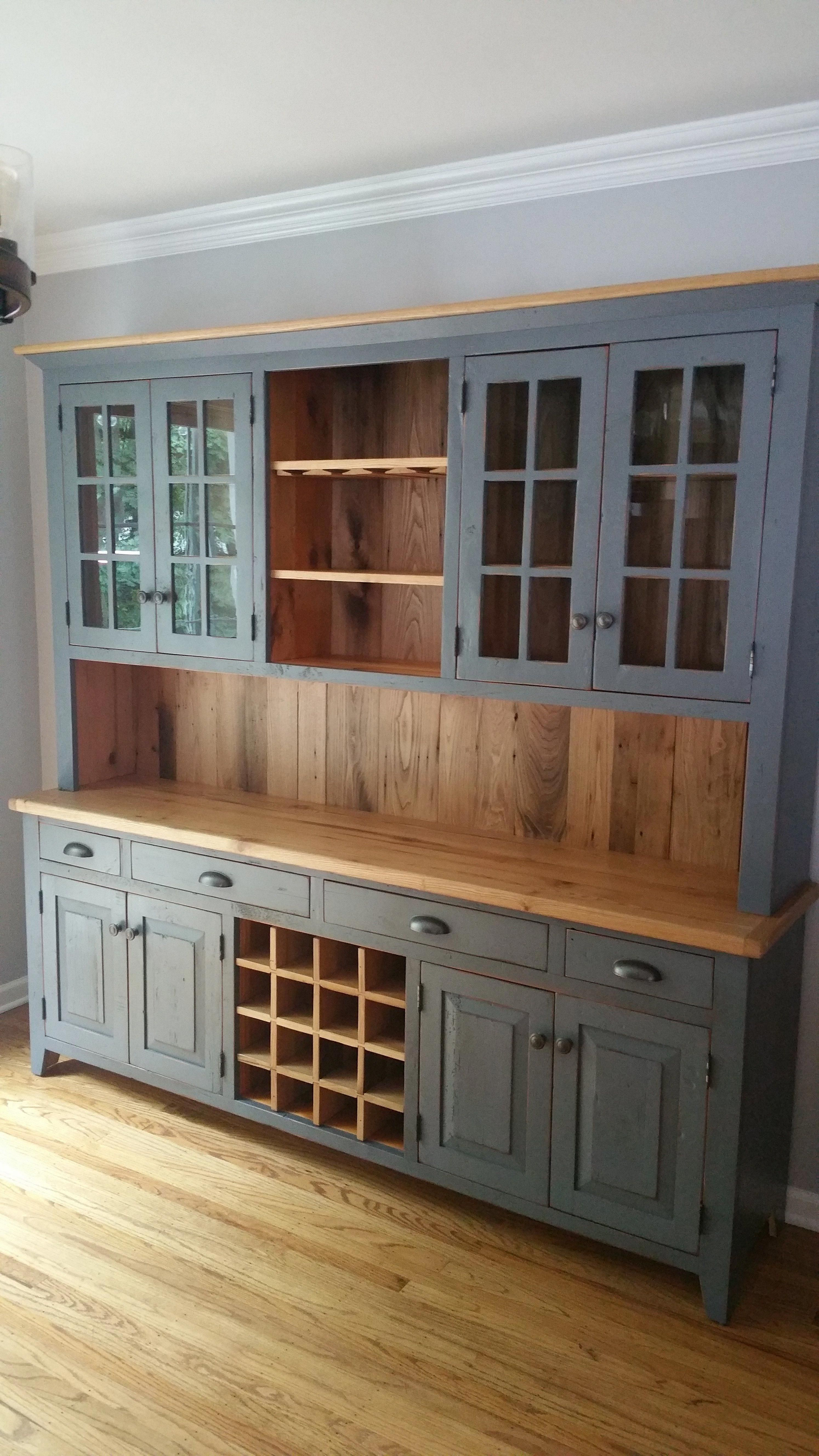 The Beauty Of The Farmhouse Kitchen Cabinet Does Not Simply Happen When Fixer Upper Debut Kitchen Renovation Farmhouse Kitchen Cabinets Farmhouse Style Kitchen