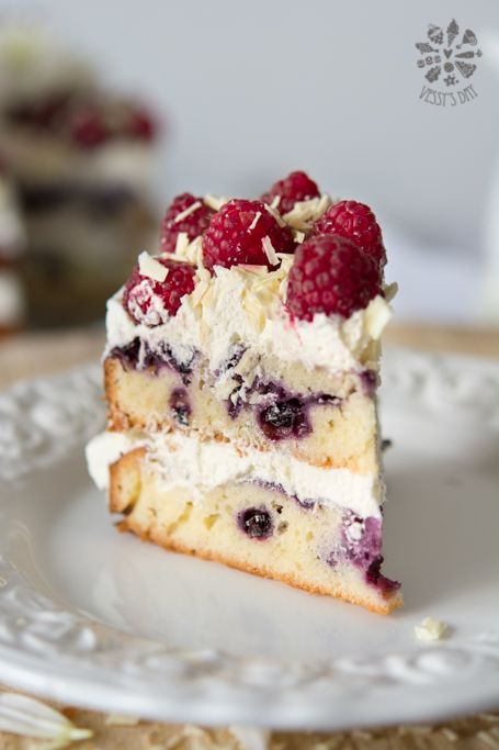 Berry cake with white chocolate frosting