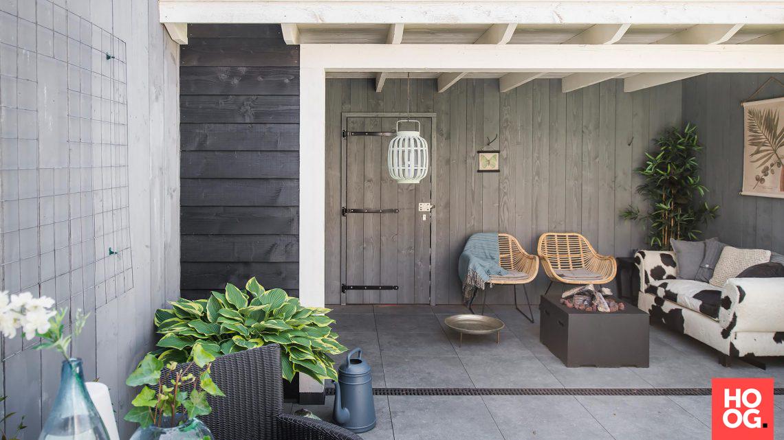 Buitenpracht houtbouw eigentijdse veranda met vt wonen tegels