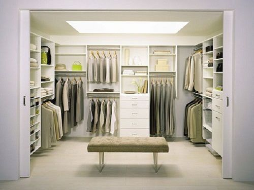 California closets company presents a fabulous walk in closet that suits to the