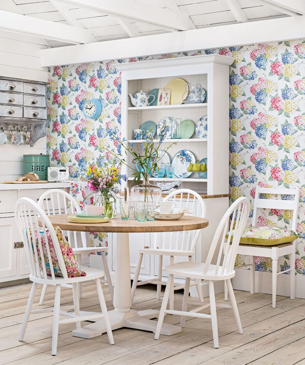 Beautiful Casual Dining Room: 30+ Adorable Wallpaper For Home Interior Ideas (With
