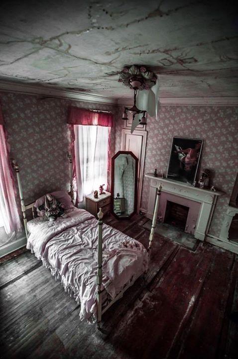 abandoned bedroom! location unknown. | creepy | pinterest | creepy