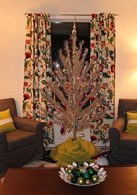 my aluminium christmas tree is up - Aluminium Christmas Tree