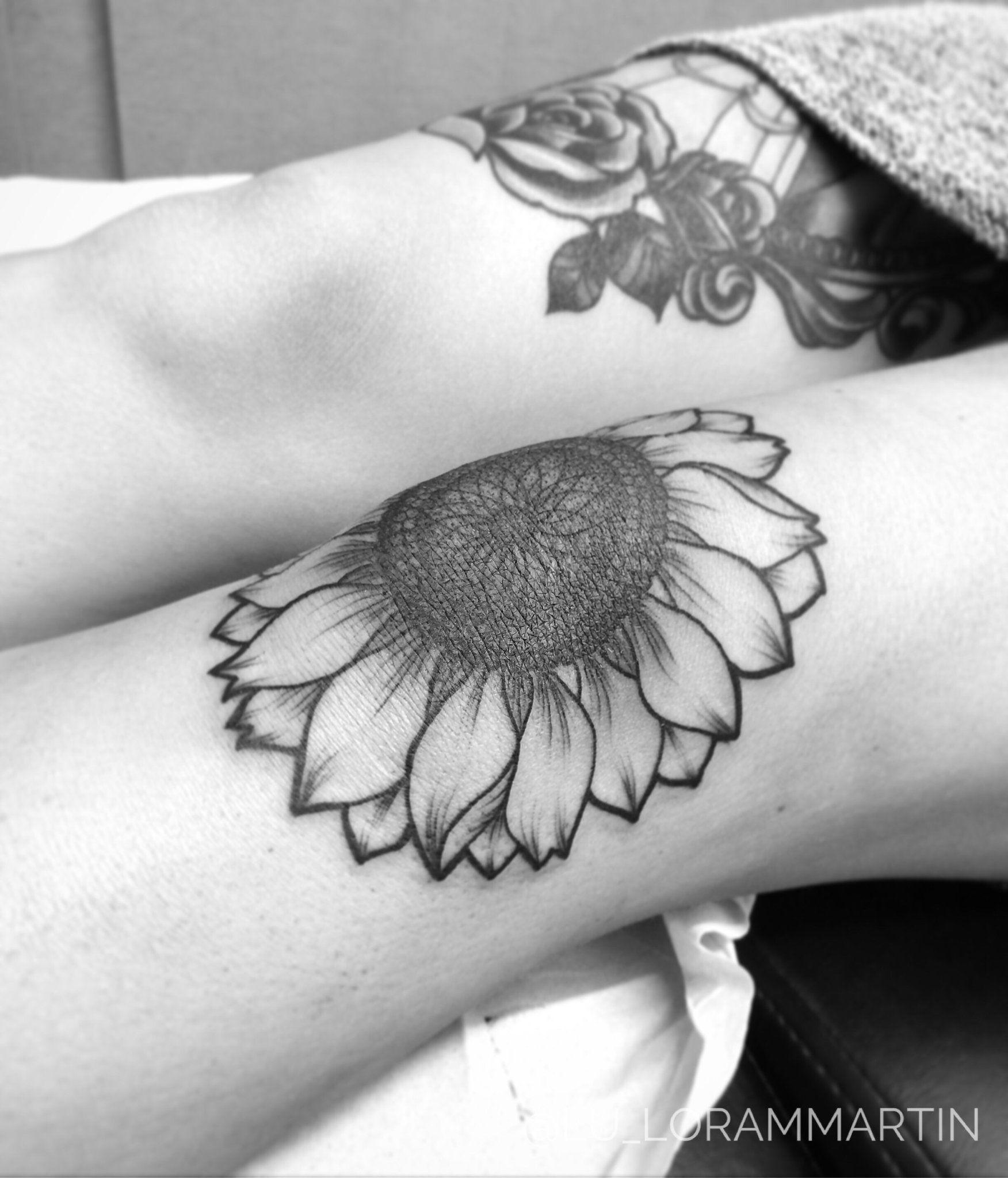 Photo of Realistic Vintage Sunflower Tattoo Ideas for Women On Knee Leg Thigh at MyBodiAr…