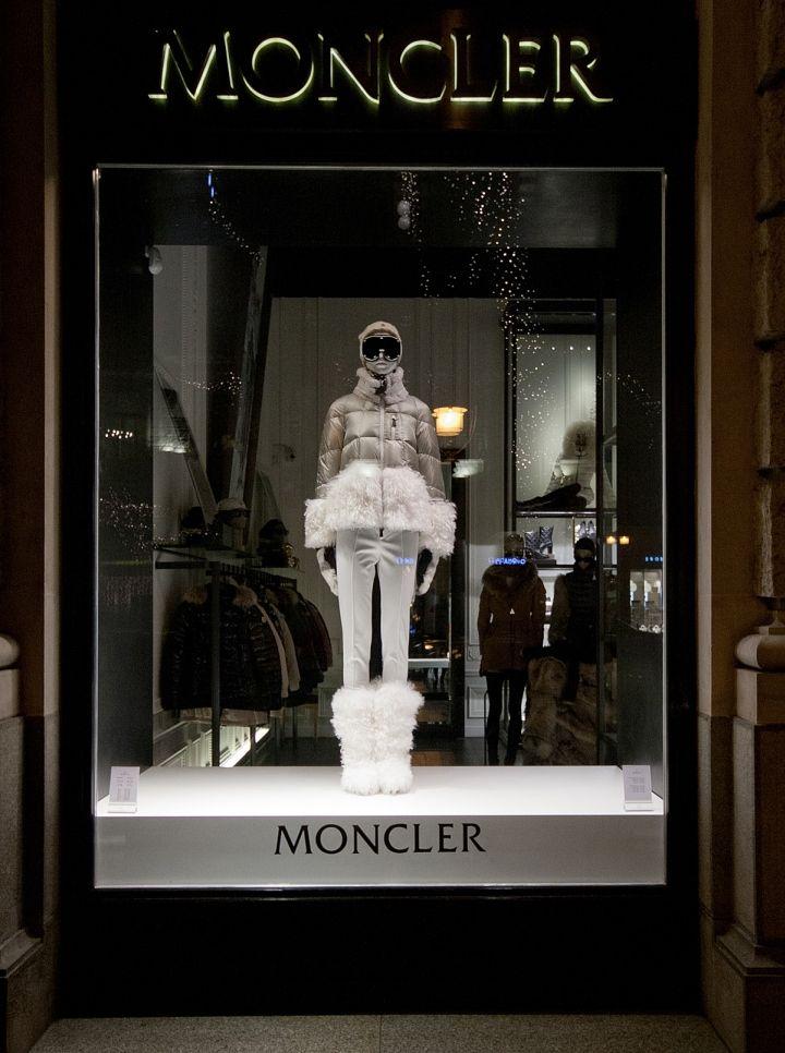 moncler budapest