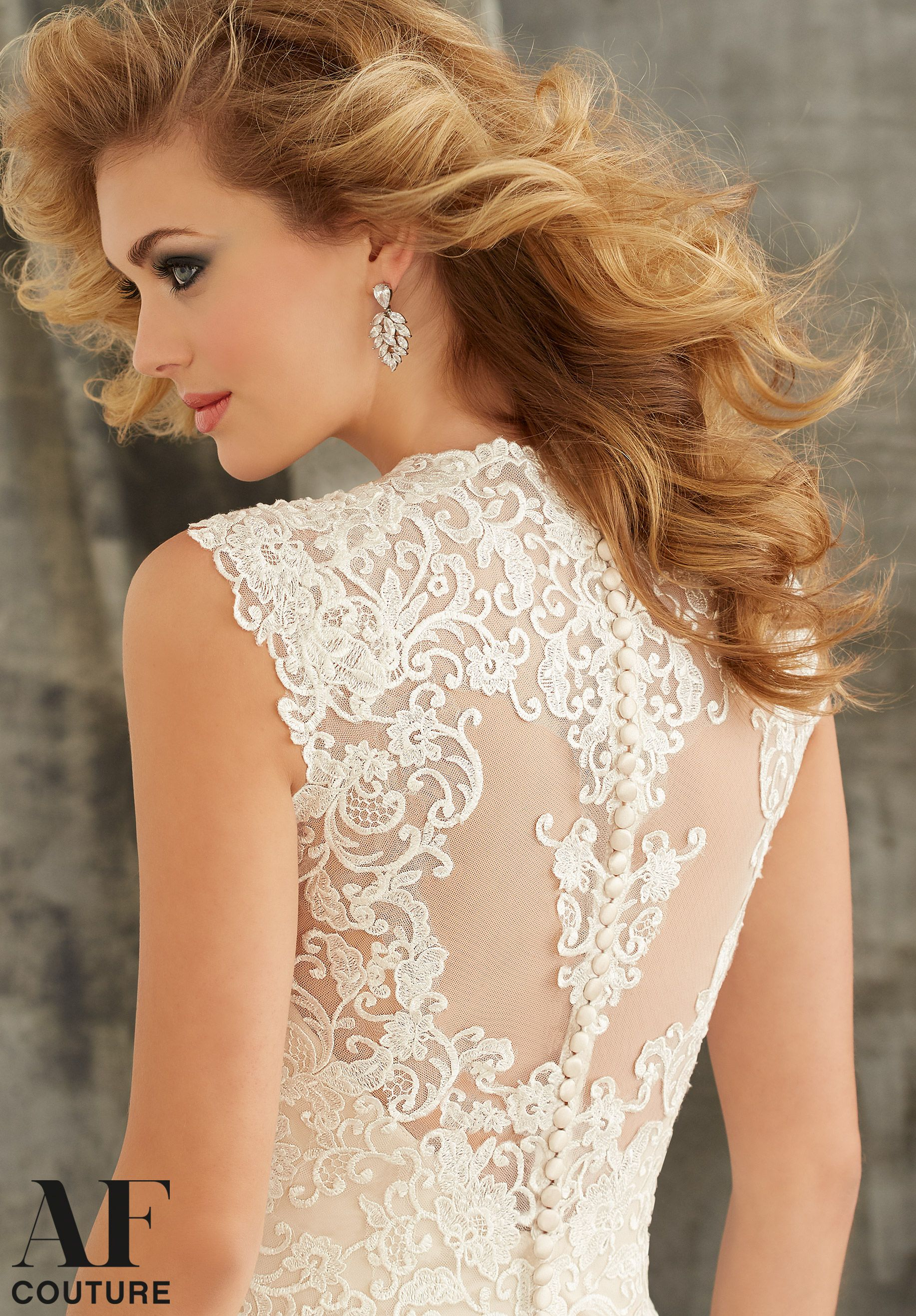 Spectacular bridal dress embroidered appliques on tulle with wide