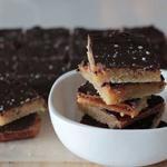 Quadrados de Caramelo e Chocolate