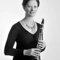 """Unsere nächste Veranstaltung: """"Der Hirt auf dem Felsen"""" - Lieder mit Instrumenten mit Regine Müller, Klarinette, Romy Petrick, Sopran und Brita Wiederanders Klavier - am 7.2., 17 Uhr im Weißen Haus Markkleeberg http://mozart-sachsen.de/termine/der-hirt-auf-dem-felsen/"""