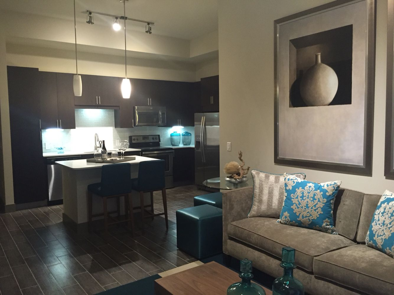 Pearl Dadeland 2 2 Bedroom Model Luxury Apartments Apartment Communities Home