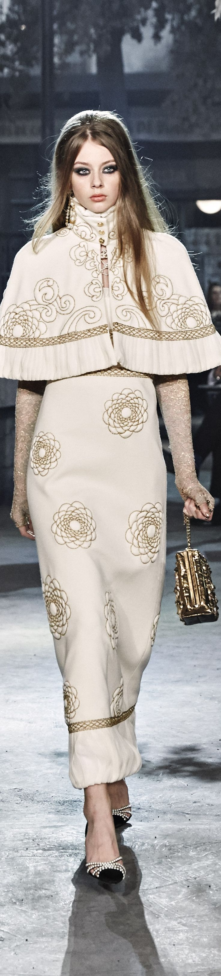 9a3f40620a Chanel Pre Fall 2016- Metiers dArt Show Rome