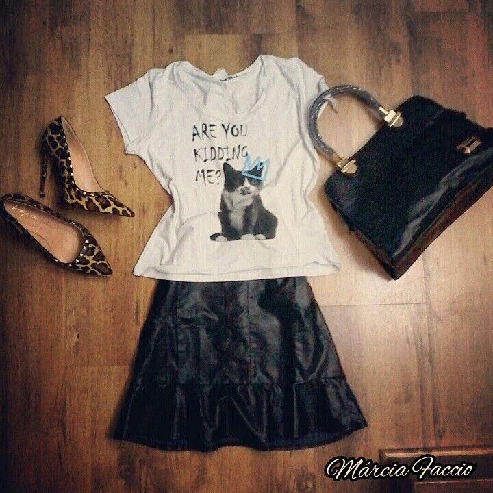 Saia couro + blusa diva + sapato onça +bolsa #diva wpp 031 87258276