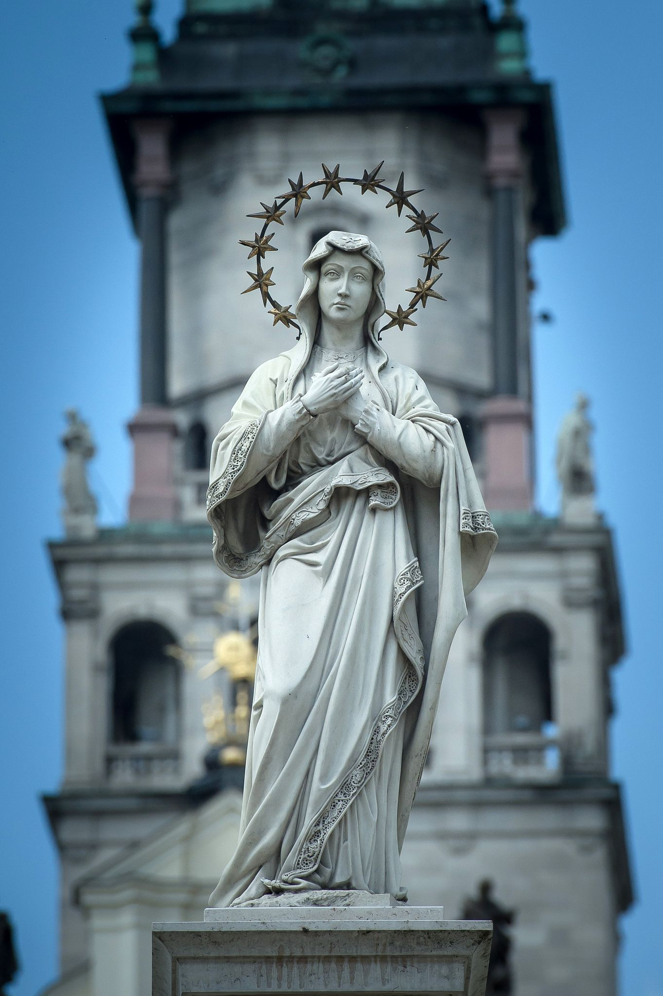 https://flic.kr/p/HWLVVt | Jasna Góra Monastery in Częstochowa | The Jasna Góra Monastery in Częstochowa, Poland, is a famous Polish shrine to the Virgin Mary and one of the country's places of pilgrimage for many the monastery is a spiritual capital. The image of the Black Madonna of Częstochowa, also known as Our Lady of Częstochowa, to which miraculous powers are attributed, is one of Jasna Góra's most precious treasures. Jasna Góra Monastery was founded in 1382 by Pauline monks who came…
