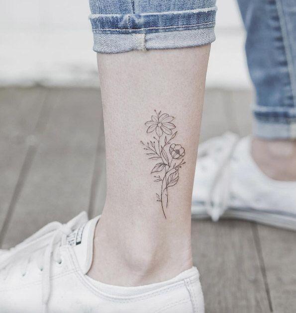 44 mini tatuagens de flores para as mulheres