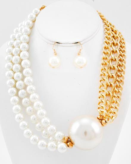 Cream Pearl Necklace Gold Chain and Pearl Statement Necklace