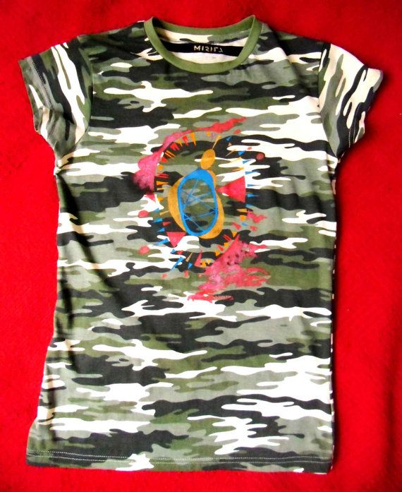 daf47903d handpainted Camouflage t shirt one of a kind   Ropa   Camiseta ...