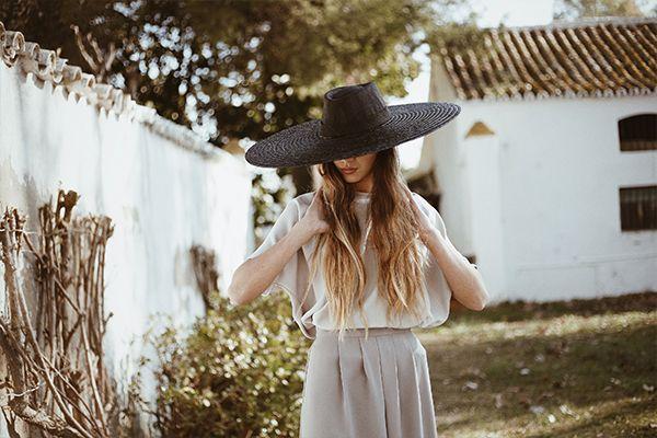 #Cherubina #tocados #invitadas #sombreros