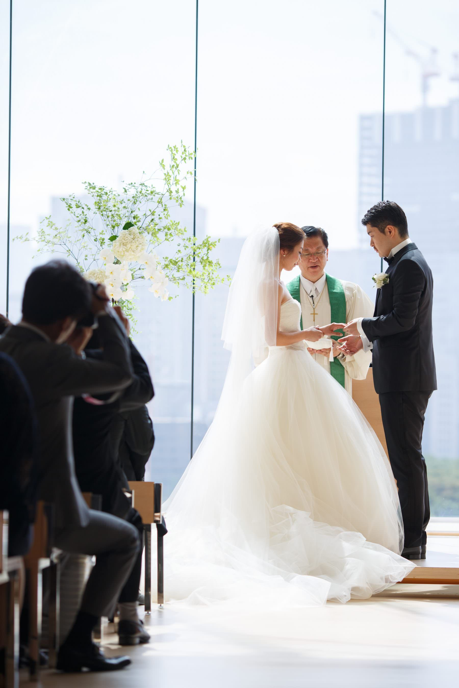 平成29年9月2日挙式 広島の結婚式場 パルテ ザ スタイル オブ ウェディング ユウベル ウェディング 挙式 ウェディングドレス