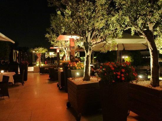 GB Roof Garden - Hotel Grande Bretagne | Roof Garden Hotel, Honeymoon Hotels, Roof Garden