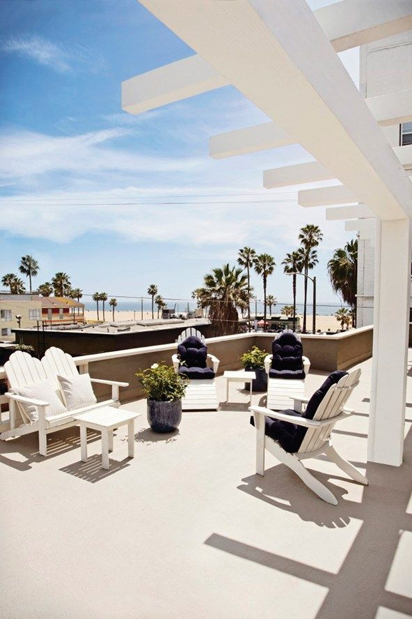 The Rose Hotel Venice Beach La An Ex Brothel In Which Has Previously Paid Host To Likes Of Charlie Chaplin And Jim Morrison Gave Vogue