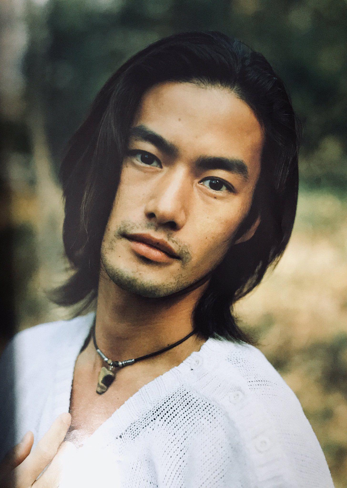 Yutaka Takenouchi 竹野内豊 長い髪の男 メンズヘアスタイル ロング メンズ ヘアスタイル