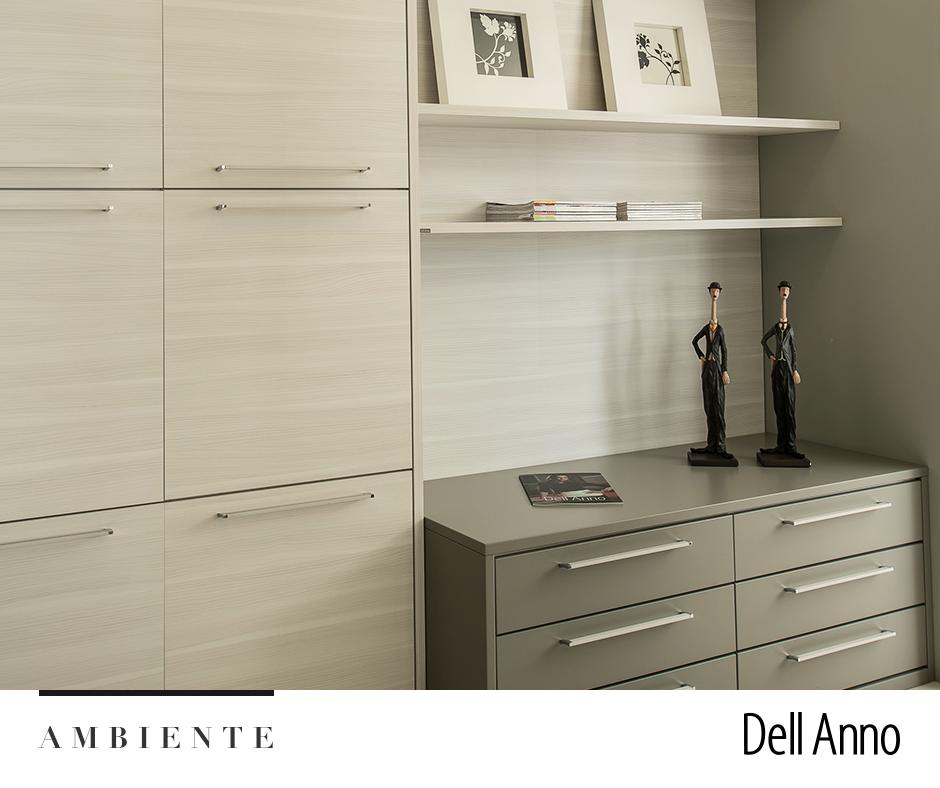 Dormitório dos sonhos: guarde todos os seus pertences em um armário desenvolvido para garantir espaço e praticidade.   Veja mais ambientes em nosso site: http://goo.gl/9jKSOj