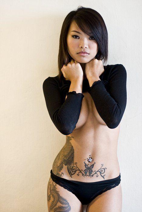 Tatouage phoenix hanche et papillon sur bas ventre pinteres - Tatouage femme hanche ...
