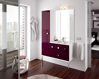 Salle de bains couleur aubergine brillant d\u0027Aquarine Bath Style