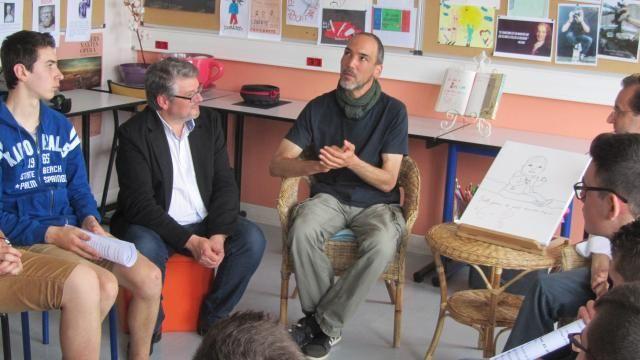 Château-Gontier. Troud vient parler liberté d'expression [Le dessinateur Troud était, mardi, au lycée Curie | Ouest France].