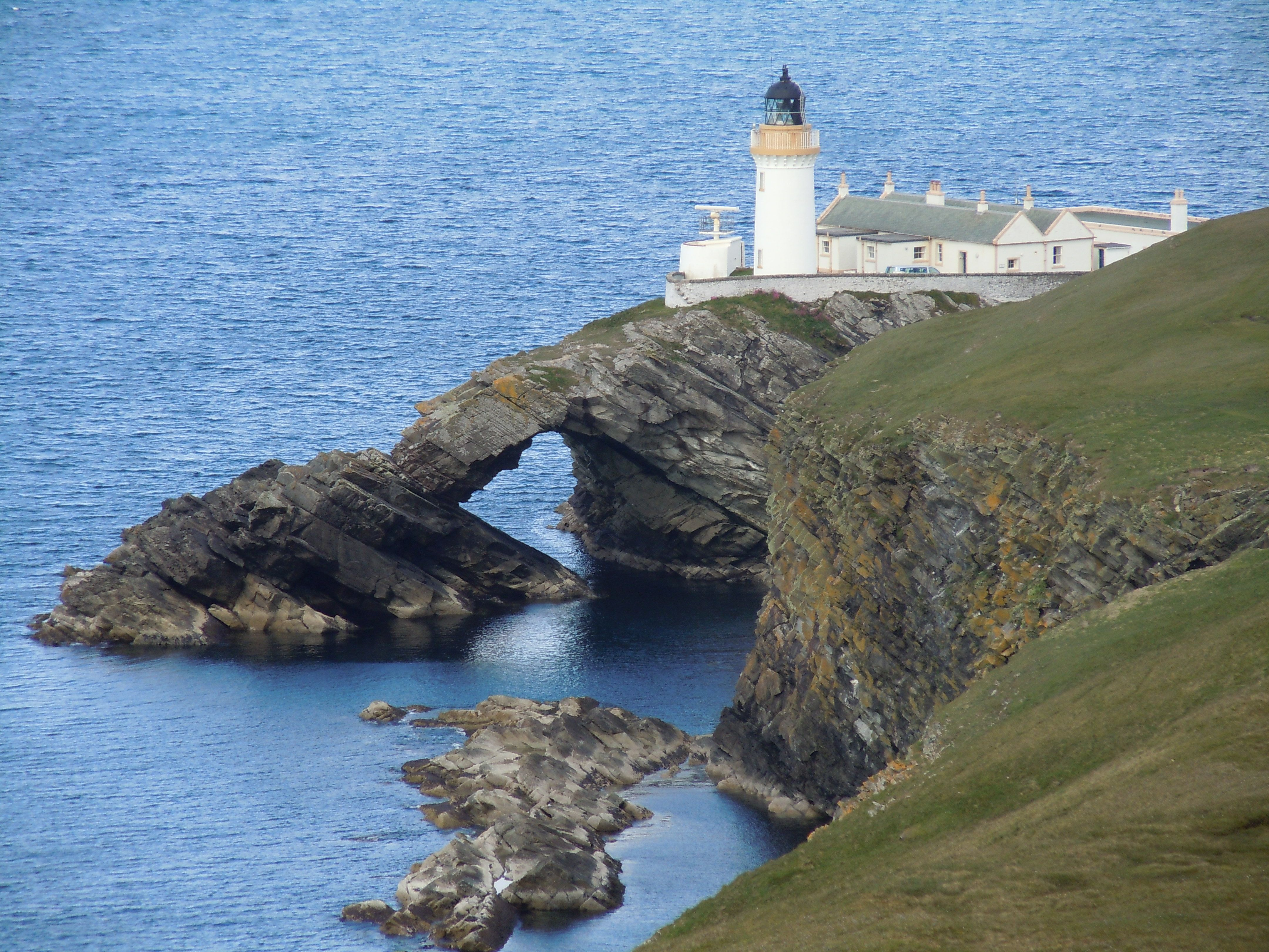 bressay lighthouse shetland Located in the heart of lerwick, this hotel is within a 10-minute walk of shetland museum, lerwick town hall, and fort charlotte bressay lighthouse and scalloway  eddlewood guest house.