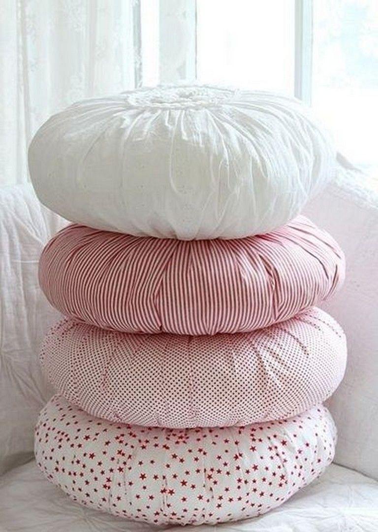 25 Inspiring Round Pillow Sewing Pattern Design Ideas For A Beginner Designideas Designbedroom Designhouse Diy Pillows How To Make Pillows Round Pillow