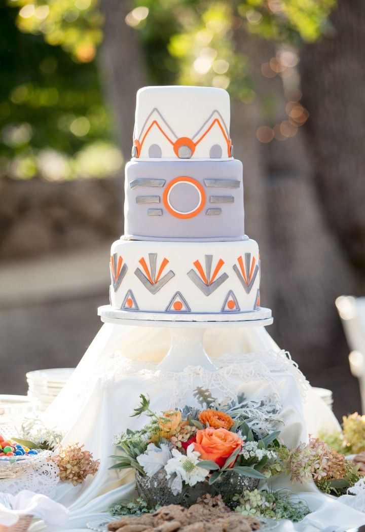 wedding cake idea; Lahna Marie Photography