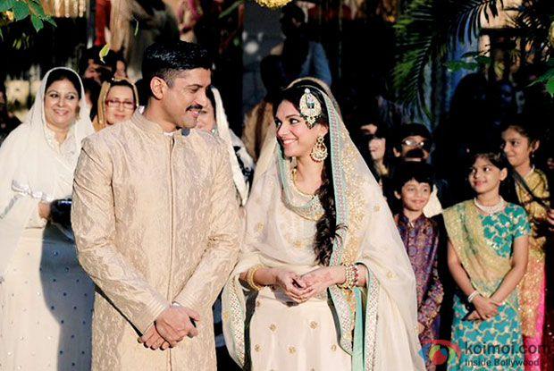 Watch :  Farhan Akhtar & Aditi Rao Hydaris Heart-Warming Song In Wazir