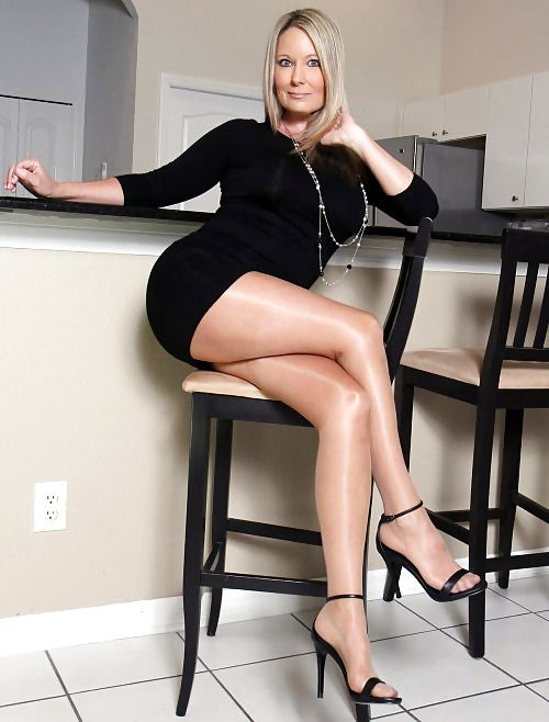 Hot mature legs with high heels