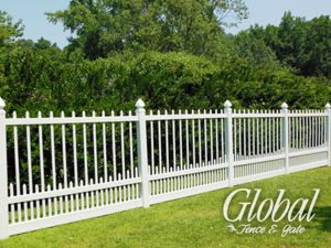 Puppy Picket Vinyl Fence Style With Images Vinyl Fence Fence Styles Backyard Fences