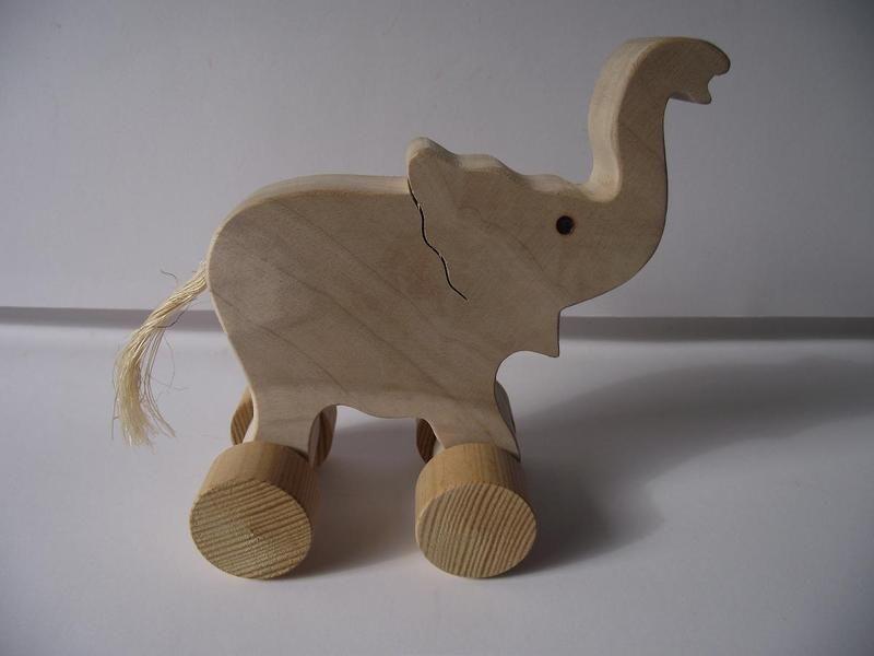 holzspielzeug schiebetier nachziehtier elefant ein designerst ck von howesa bei dawanda. Black Bedroom Furniture Sets. Home Design Ideas
