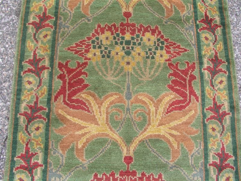 ARTS & CRAFTS WILLIAM MORRIS WOOL HAND KNOTTED RUG